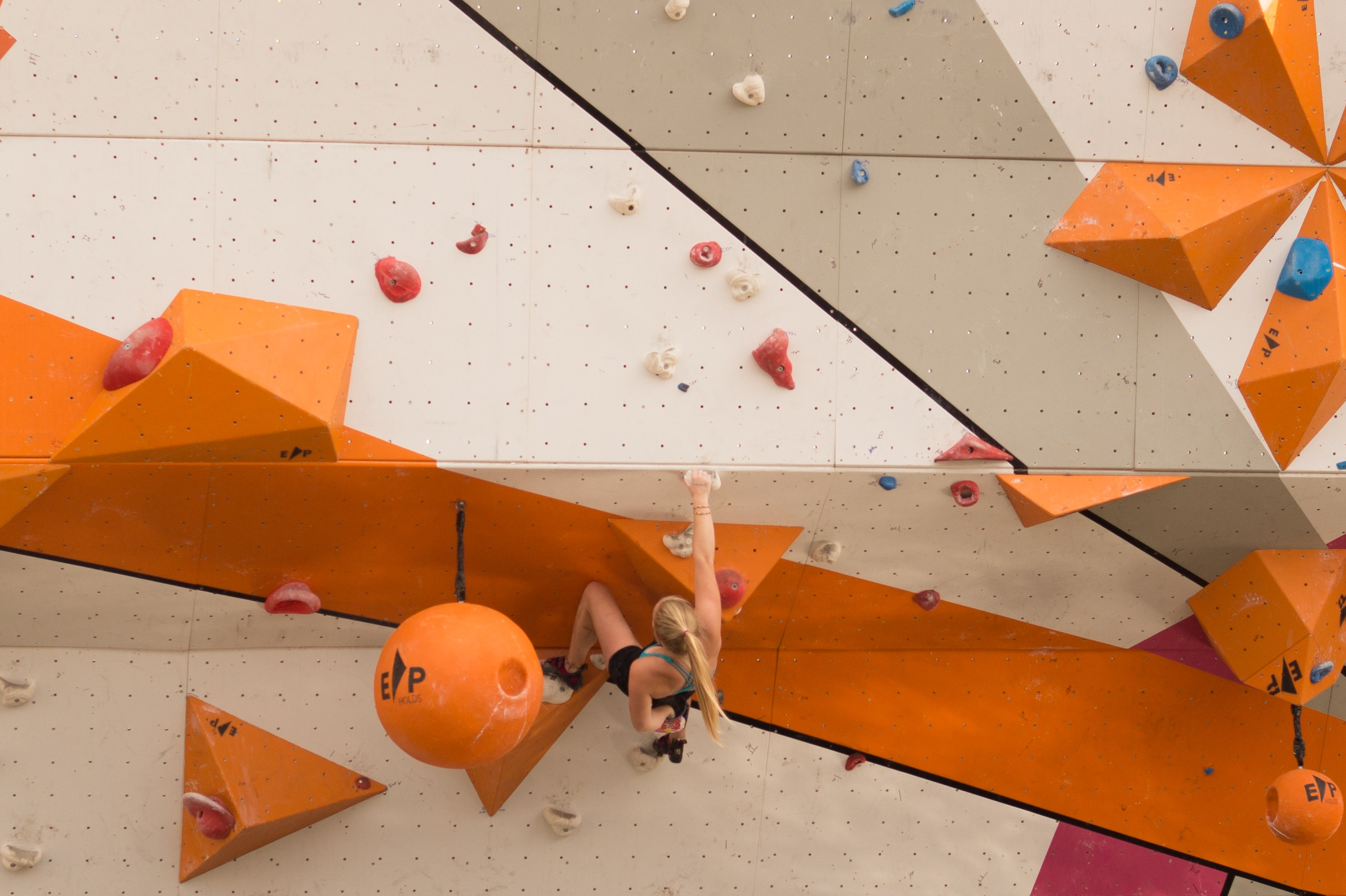 https://gimifun.com/wp-content/uploads/2019/03/bouldering-climber-climbing-9606.jpg