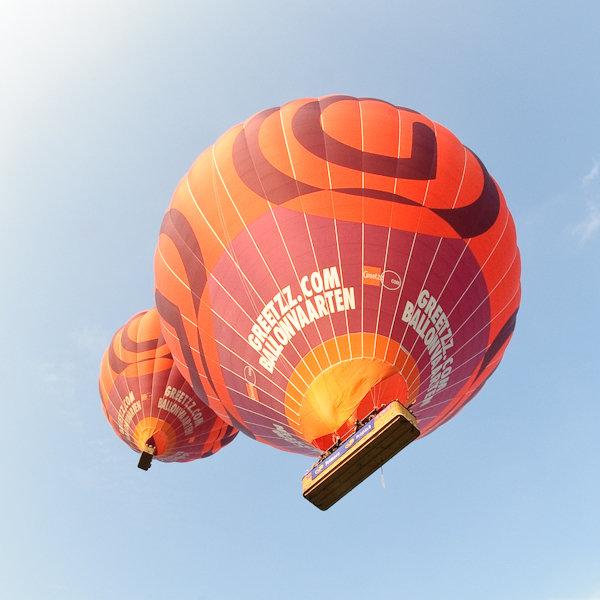 greetz balloons flying