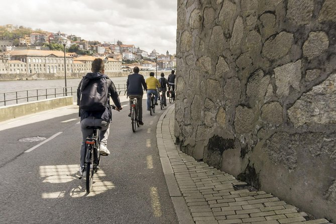 3-Hour Electric Porto Bike Tour 7