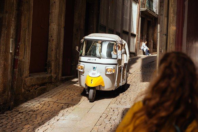 Contrasts of Porto Private Tour Classic & Urban Art 7